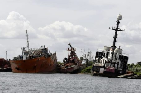 Hoodlums Convert Shipwreck Into Storage for Stolen Fuel