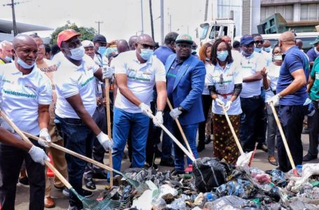 APMT Collaborates with NPA, LAWMA To Evacuate Refuse from Apapa Port Area