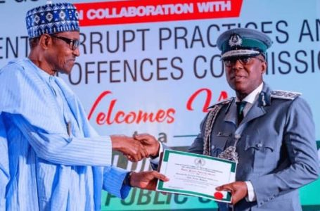 Buhari Honors Customs Officer for Rejecting N150m Bribe from Tramadol Importers
